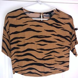 NWOT Forever 21 Tiger Animal Print Crop Top Shirt